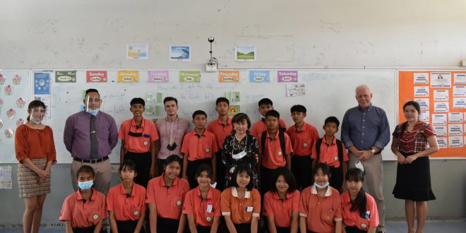 นิเทศอาสาสมัครครูชาวต่างชาติภายใต้โครงการจ้างที่ปรึกษาจัดหาครูชาวต่างชาติพัฒนาหลักสูตรภาษาอังกฤษ